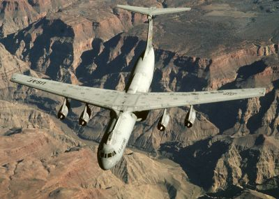 Lockheed C-141 Starlifter