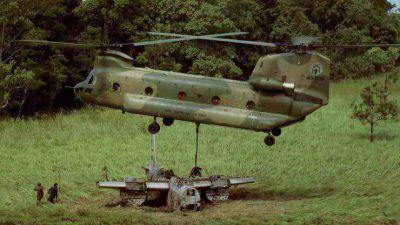 Boeing CH-47B Chinook