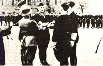 1944 BKA důstojníci, Minsk, Náměstí svobody
