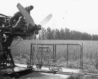letecké zkušebna motorů - na brzdě