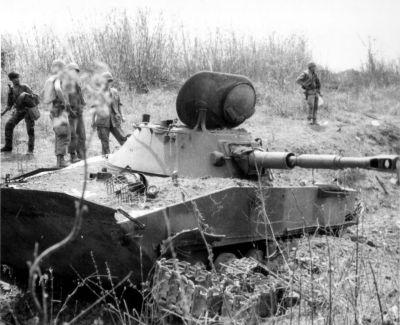 PT-76 zničený ve Vietnamu
