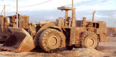 Nepancéřovaný kolový nakladač typu Caterpillar 998B