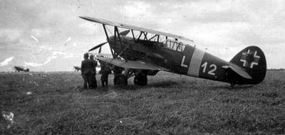Avia Bk-534 slovenského letectva patříci 12. letce. Foceno někde na Ukrajině.