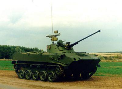 Bojové vozidlo výsadku BMD-2 se vyznačuje odlišnou věží a výzbrojí