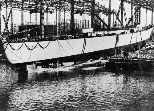 Spuštění Bismarcka na vodu