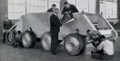 Montáž prototypu tanku Christie M1932