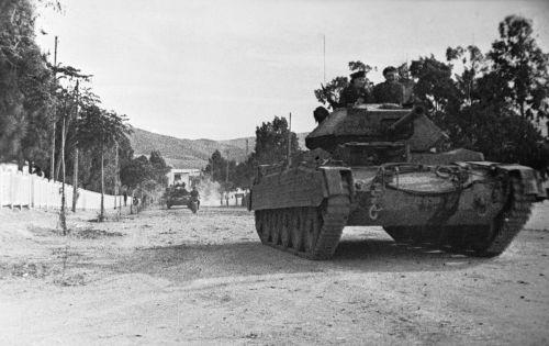 Cruiser Tank Mk.VI Crusader III v Tunisku