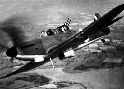 """""""Bojovný"""" snímek Defiantu z propagandistické kampaně RAF"""