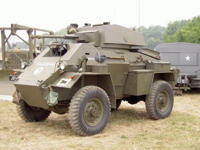 Humber Armoured Car Mk IV byl vyzbrojen 37mm kanonem