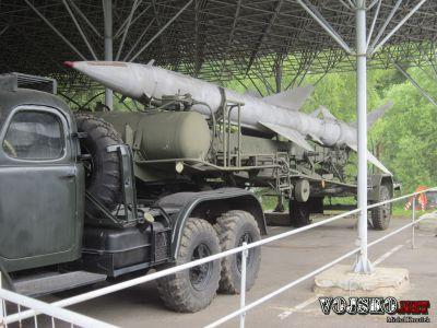 Návěsový tahač ZIL 157V s nabíjecím přepravníkem PR-11B