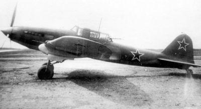 Prototyp bitevního letadla Il-2 se zadním střelištěm z roku 1942
