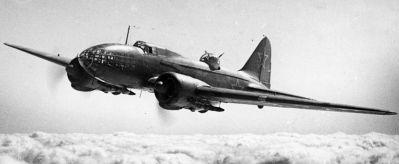 Iljušin Il-4 při dálkovém náletu na cíle někde ve východní Evropě