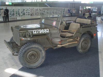 Jeep ve zbarvení 1. československé samostatné obrněné brigády