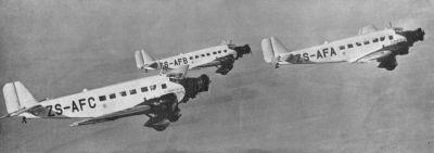 Trojice dopravních letounů Junkers Ju 52/3m letecké společnosti  South African Airways