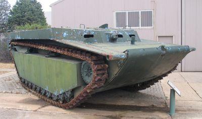 Dosud zachovaný obojživelník LVT-4 vystavený v Austrálii
