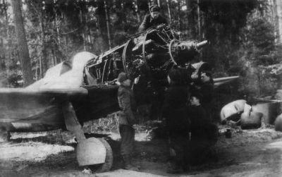 Oprava hvězdicového motoru AŠ-82FN v letounu La-5FN