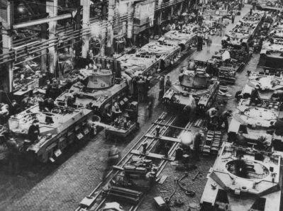 Anglická výrobní linka pěchotních tanků Matilda určených pro Sovětský svaz