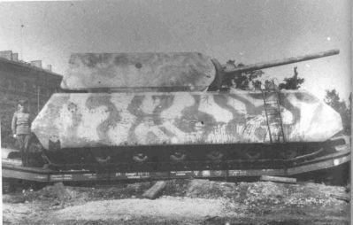 Prototyp supertěžkého tanku Porsche Pz VIII Maus.