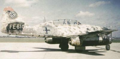 Dvoumístný noční stíhač Me 262B-1a/U1 vzniklý z cvičného stroje