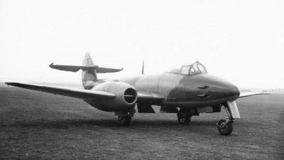 Britský proudový stíhací letoun Gloster Meteor