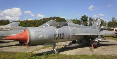 """Přepadový stíhač MiG-21PF obdržel ironickou přezdívku """"Holubice míru"""""""