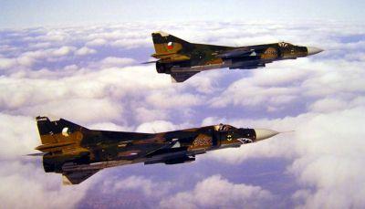 Dvojice stíhacích letadel MiG-23MF z výzbroje 1. stíhacího leteckého pluku