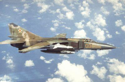 Stíhací letoun MiG-23 (na fotografii varianta MiG-23MLD sovětského letectva) se vyznačoval měnitelnou geometrií křídla