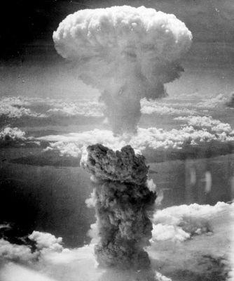 Pokud by se historie ubírala trochu jiným směrem, mohl se takový atomový hřib jako nad Nagasaki objevit i nad některými evropskými městy.