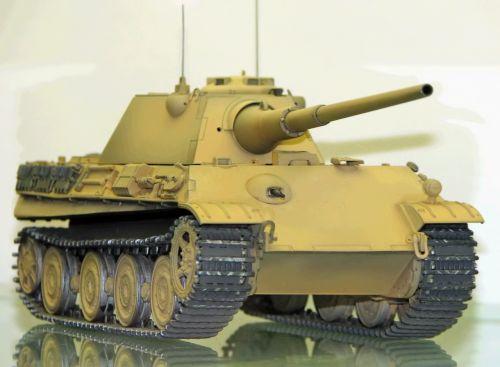 Model tanku PzKpfw. V Panther Ausf. F