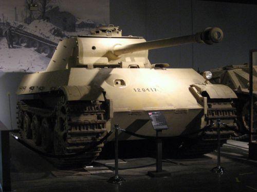 PzKpfw. V Panther II s věží z Panther Ausf. G