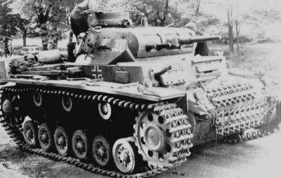 Střední tank PzKpfw III Ausf. F vyzbrojený 37mm kanonem
