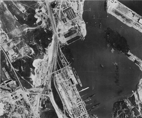 Kotviště s letadlovou lodí Graf Zeppelin (6. února 1942)