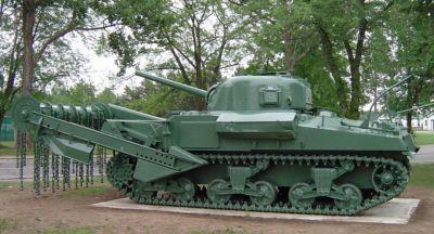 Sherman s cepovým odminovacím zařízením Crab