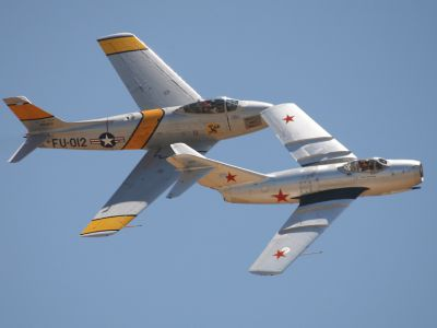 F-86 Sabre a MiG-15