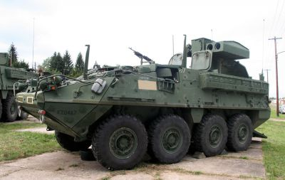 Vozidlo Stryker M1134 ATGM s protitankovými raketami TOW