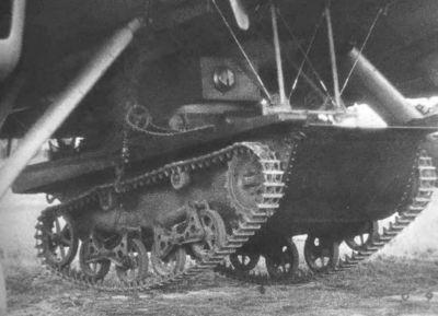 Tank T-37A mohl být dopravován i vzduchem za pomoci bombardéru TB-3