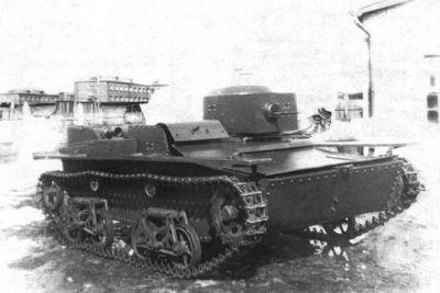 Plovoucí tank T-38 byl charakteristický asymetricky umístěnou věží