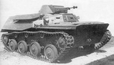 Obojživelný tank T-40 se od svých předchůdců značně odlišoval