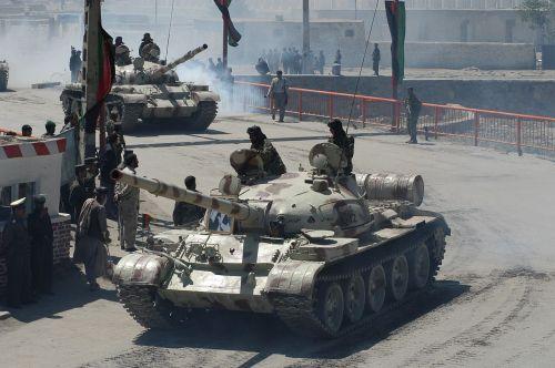 T-62M afghánské armády v Kábulu, 27. dubna 2004