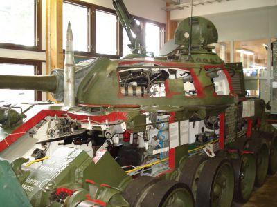 Výukový T-54 v tankovém muzeu v Parole, Finsko