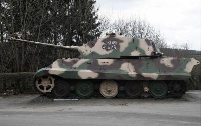 "Panzerkampfwagen VI Ausf. B ""Tiger II"", přezdívaný též ""Königstiger"" (Sd.Kfz. 182)"