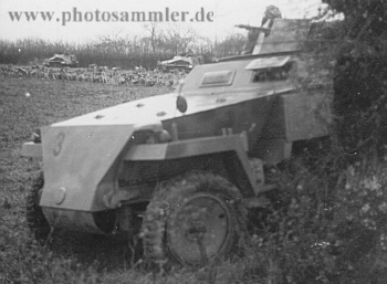 SdKfz 250-1 z 10 SS-PzDiv Frundsberg v Normandii, podzim 1943.