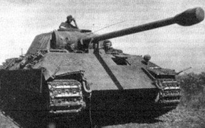 SS-Oberscharführer Ernst Barkmann a jeho PzKpfw V Panther Ausf D.